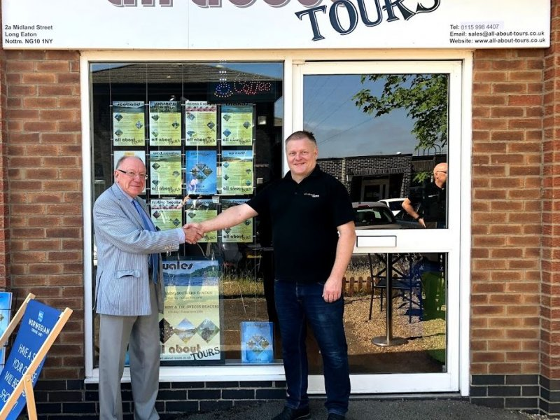 Businesses receive £1,000 helping hand to set up in empty shops and boost streets