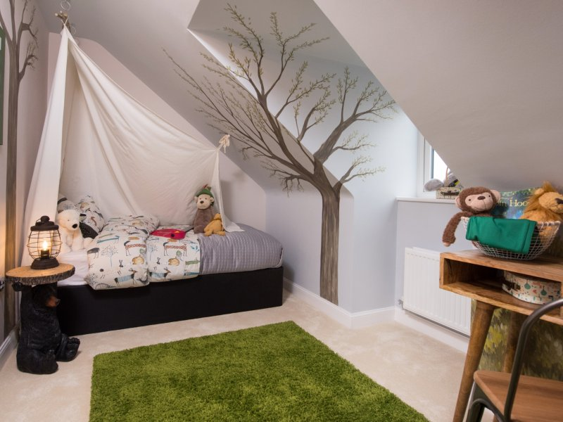 Nottinghamshire show home hits the bullseye with Robin Hood themed room