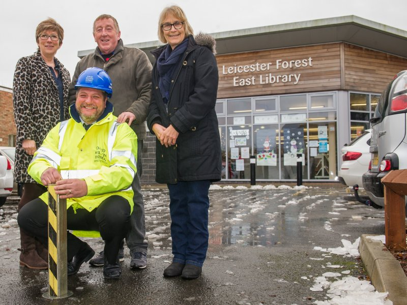 LOCAL HOMEBUILDER SUPPORTS COMMUNITY LIBRARY WITH £500 DONATION