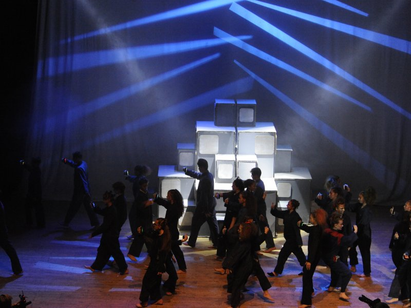 Wellingborough packaging firm helps local school to success in national dance and drama contest