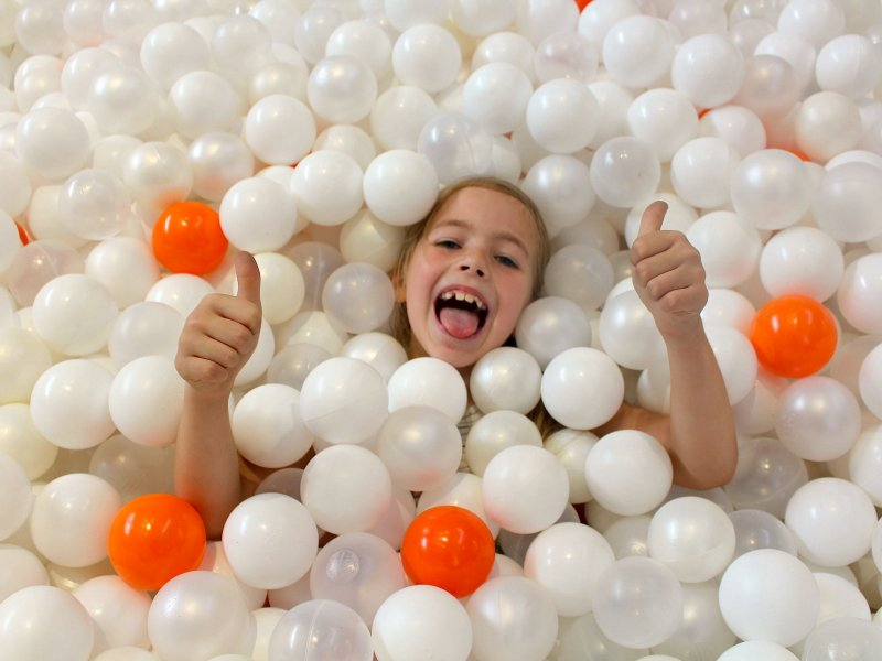 Giant Ball Pit creates waves at intu Victoria Centre