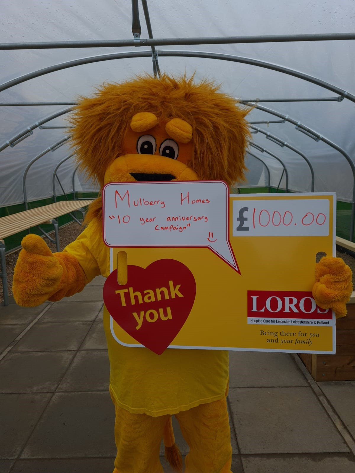 LEICESTERSHIRE HOUSEBUILDER KITS OUT POLY TUNNEL FOR LOROS PATIENTS