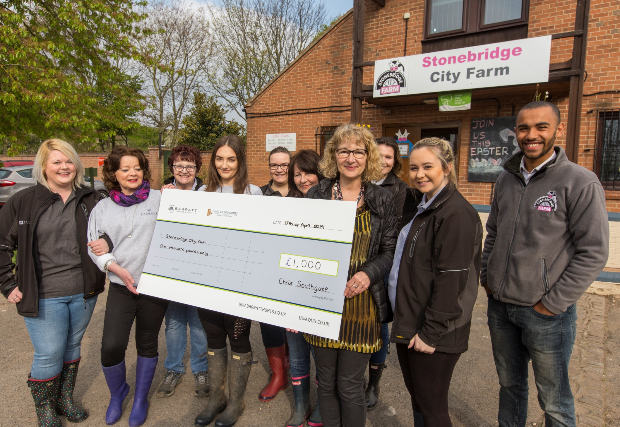 Local housebuilder brings physical and financial support to farm in Nottingham