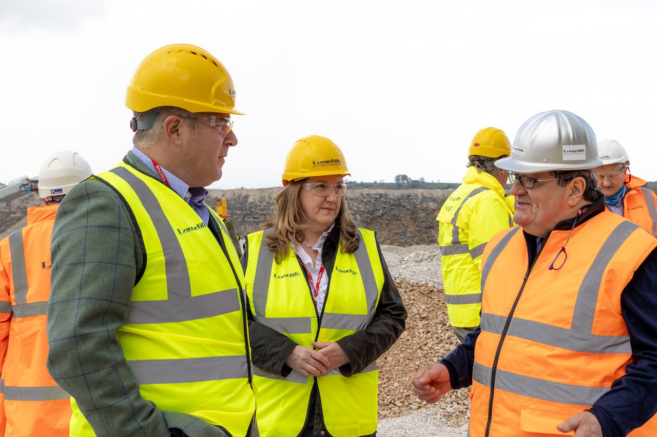 """Minister sees how Longcliffe provide essential materials to """"build back better"""""""
