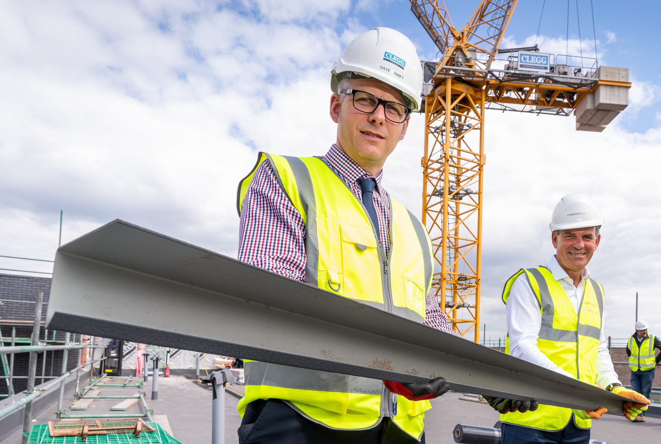 GILDERS YARD REACHES NEW HEIGHTS WITH TOPPING OUT CEREMONY