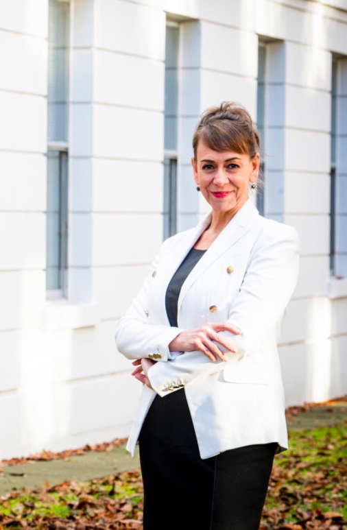 Specialist divorce lawyer awarded MBE for services to female entrepreneurs