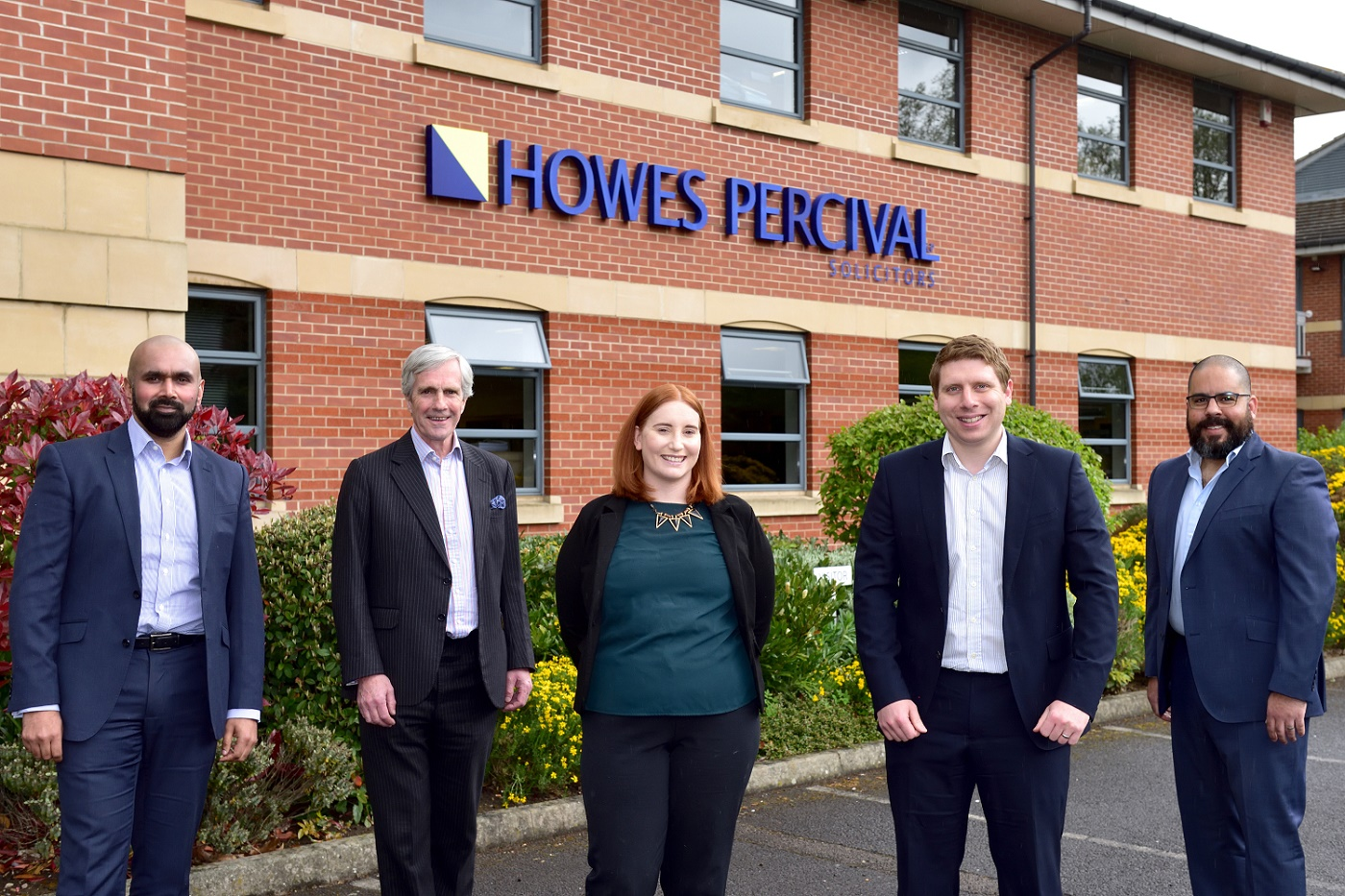 Rapidly growing Corporate law team adds two new senior lawyers