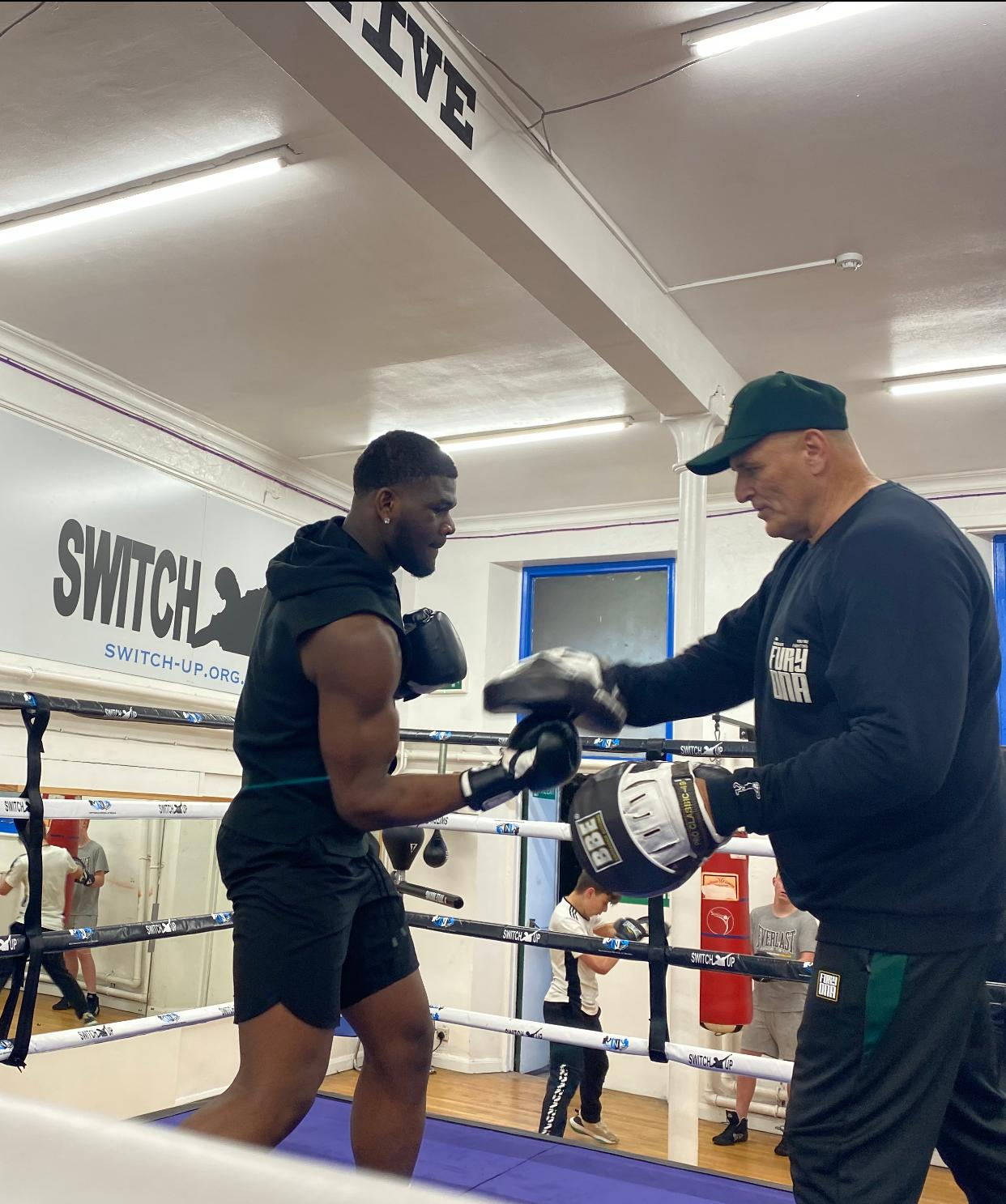 BOXING LEGEND INSPIRES YOUNG PEOPLE OF NOTTINGHAM