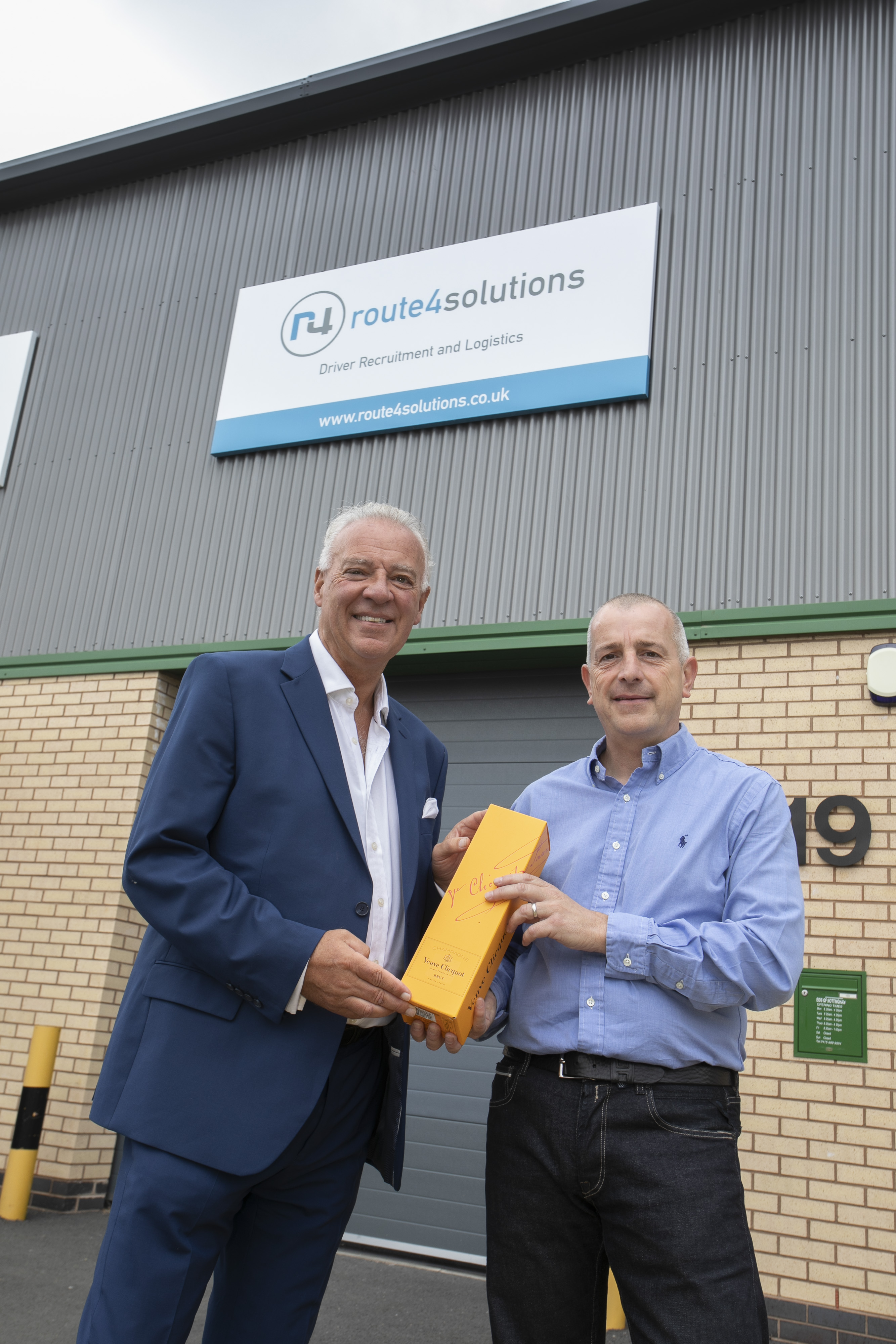 RUSHCLIFFE COUNCIL LEADER CELEBRATES SUCCESS OF COMPANY MOVE TO FLAGSHIP BUSINESS PARK
