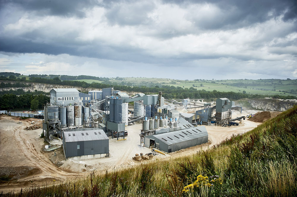 Longcliffe Quarries makes local business relationships a priority - with blast specialist EPC-UK