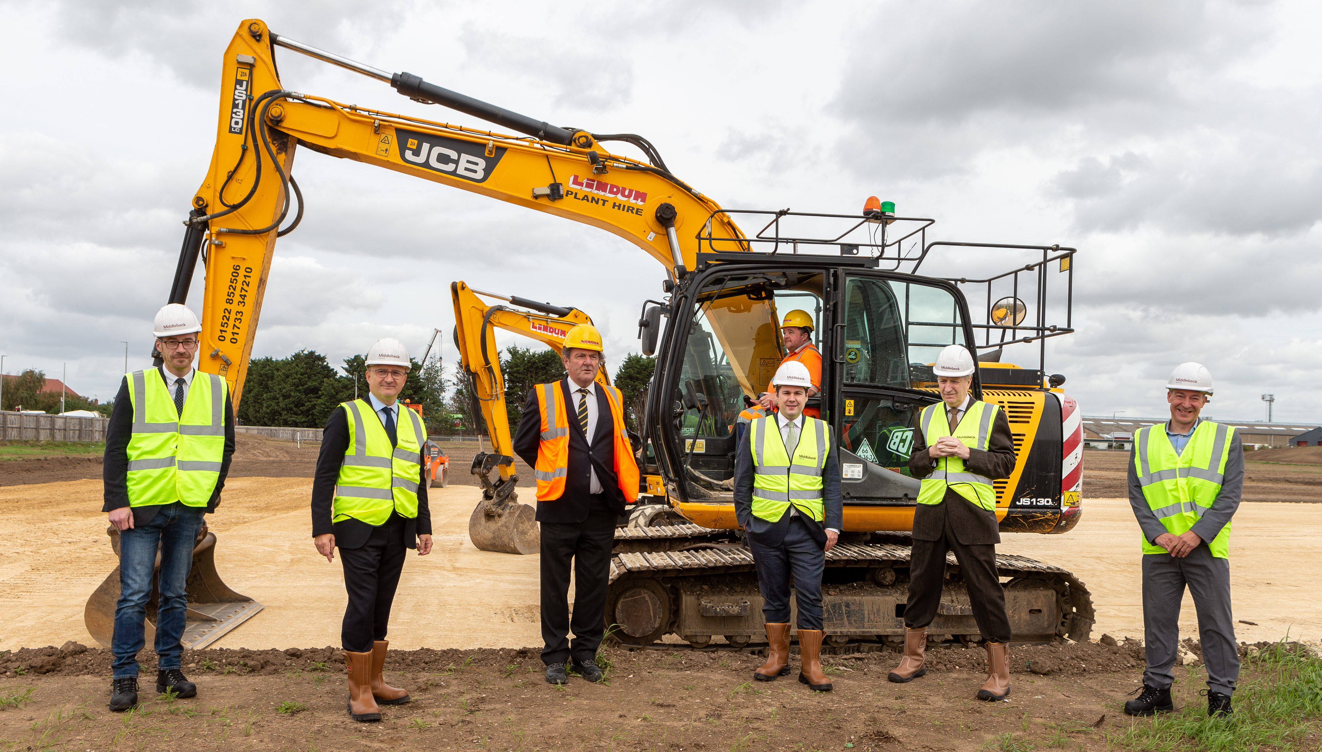 Newark MP marks construction start of new Middlebeck school