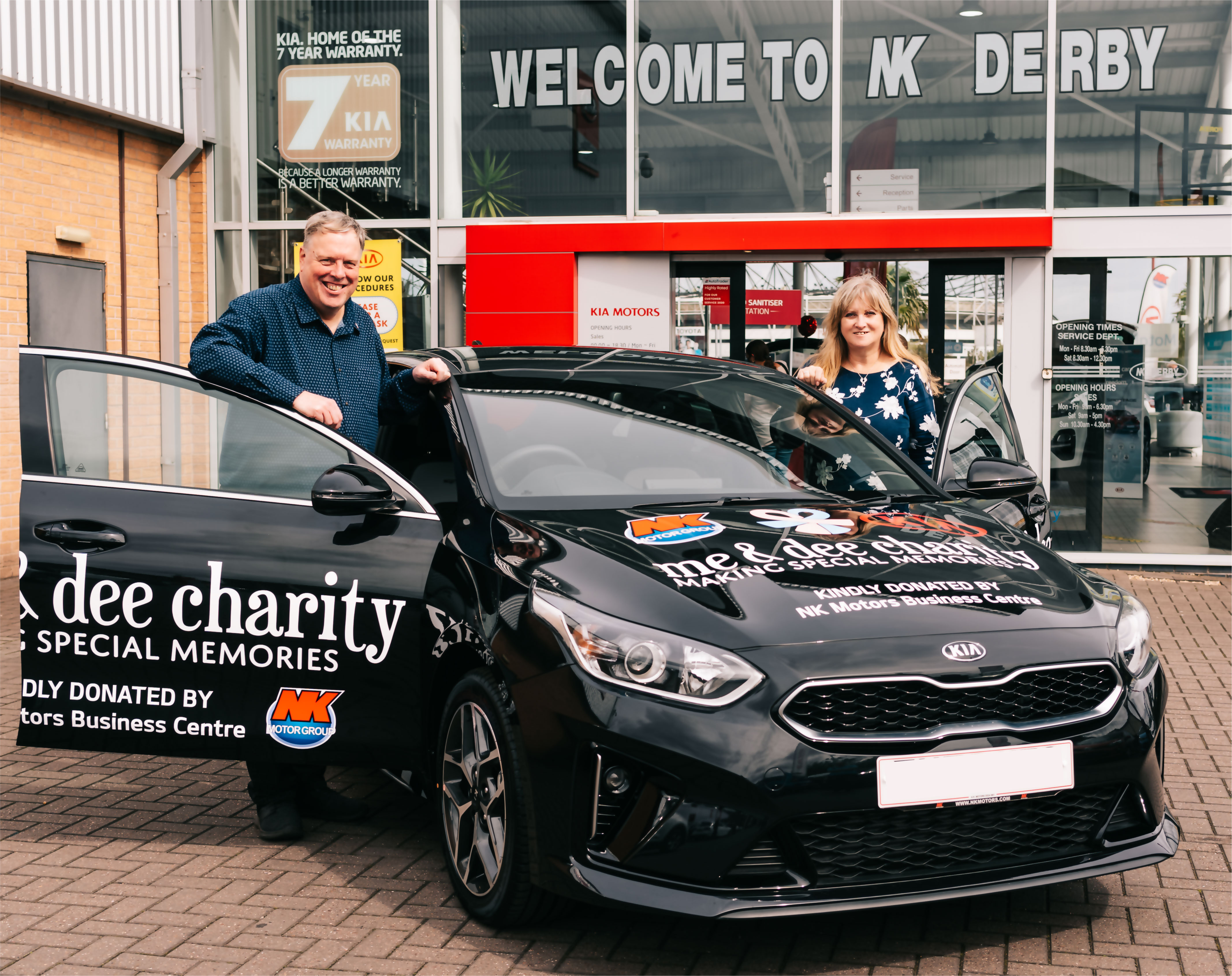 The UK's largest Kia car dealership has gifted a car to Derby based me&dee charity.