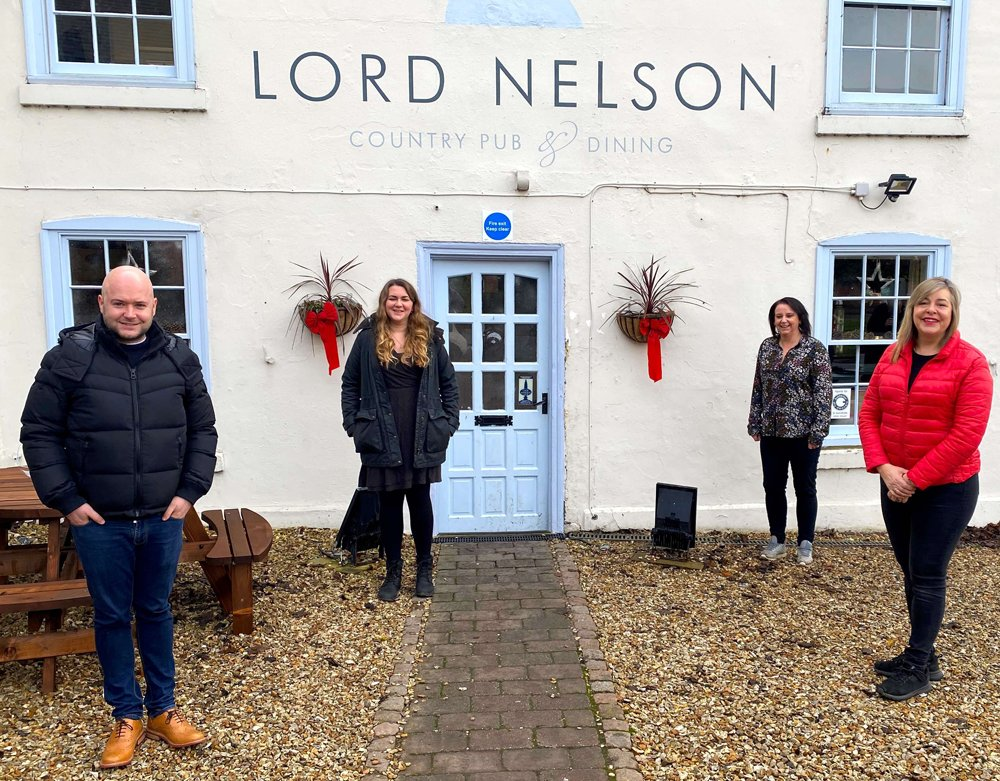 Local motor business helps bring Christmas to Beaumond House Hospice patients