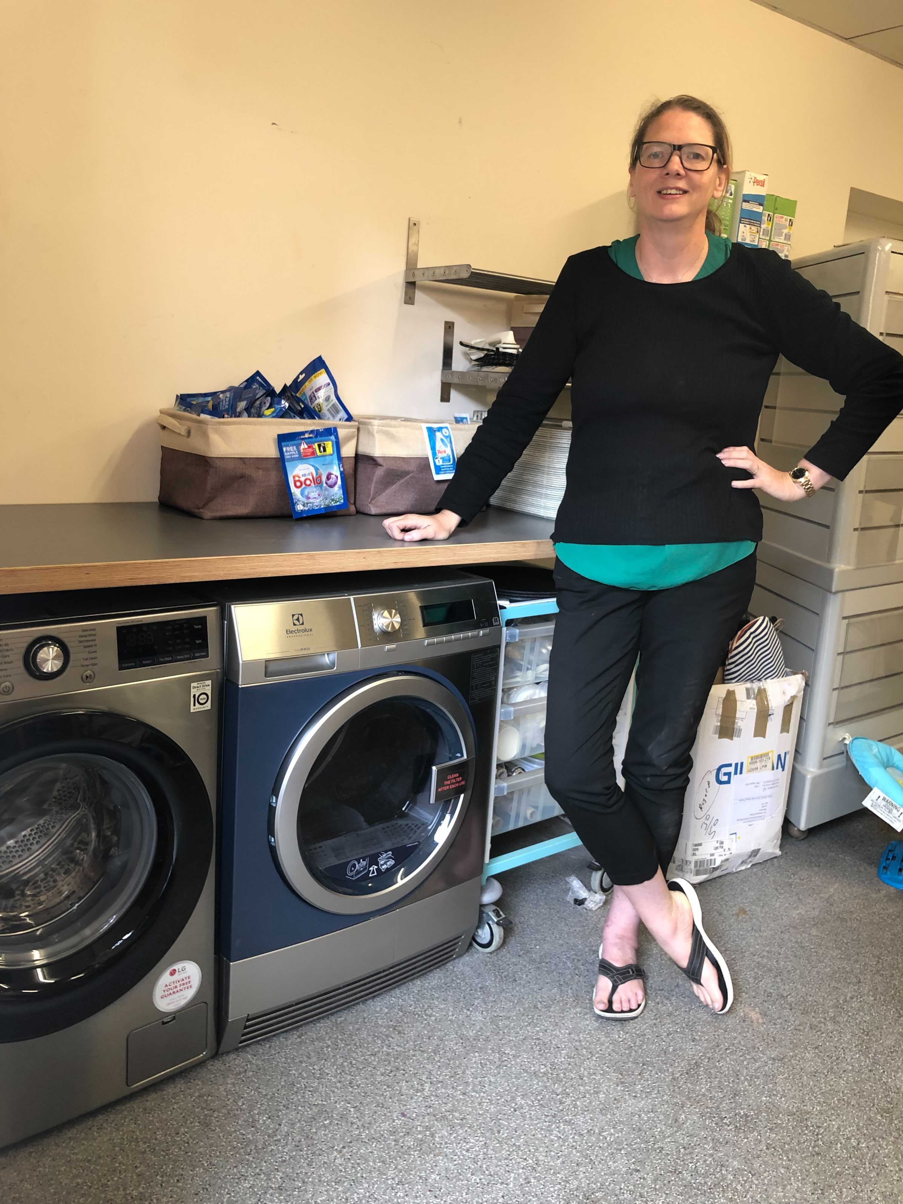 CITY FOOD PARCEL CHARITY SETS UP PIONEERING COMMUNITY LAUNDRY