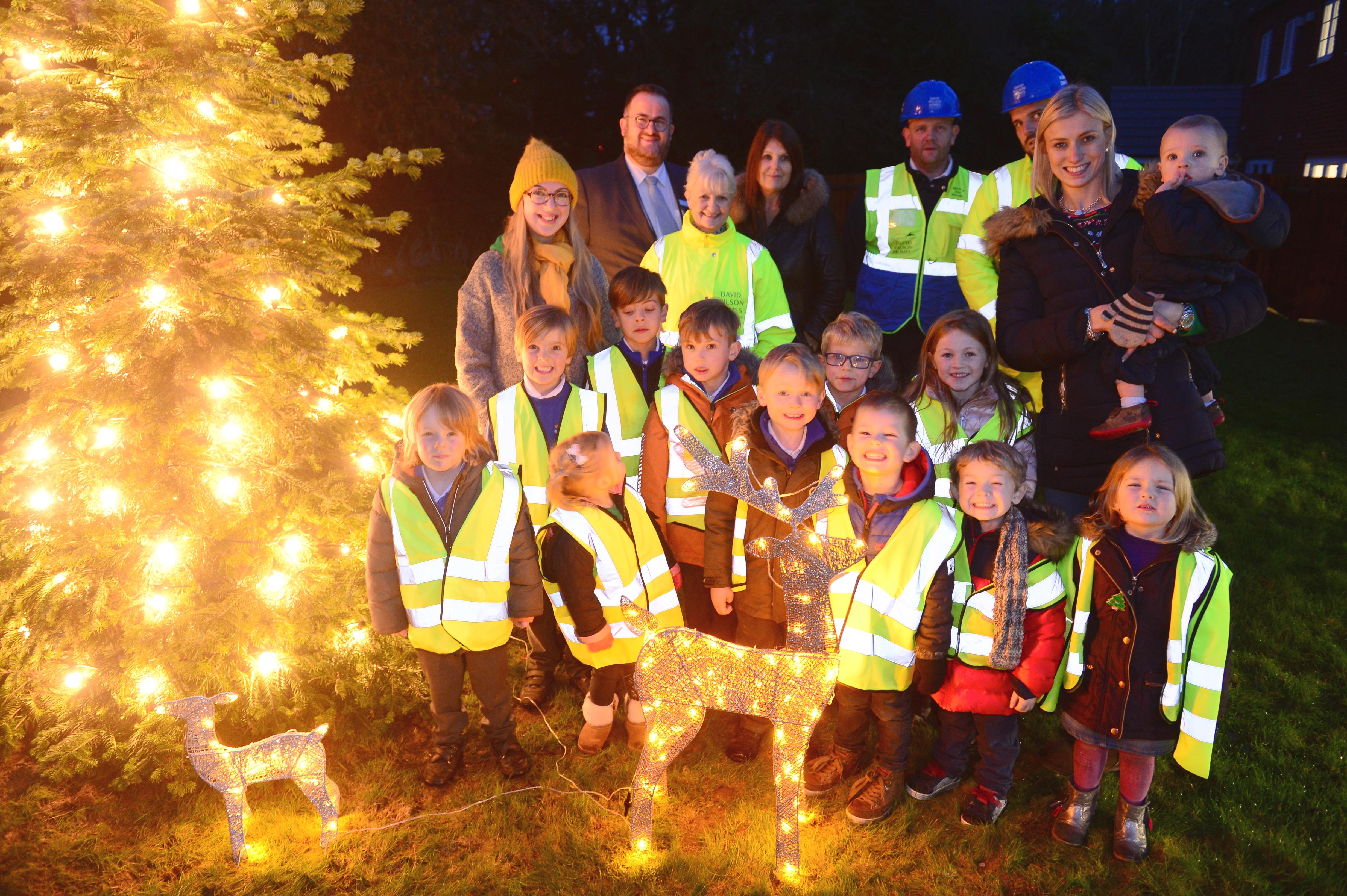 Derbyshire nursery children switch on lights at new development in Doveridge