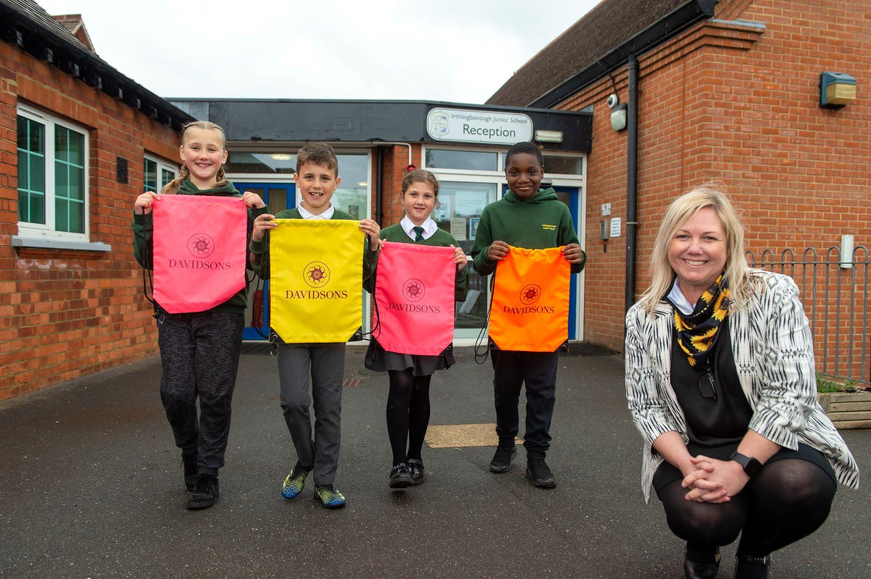 Pupils receive hi-vis bags to keep them safe during Walk to School Week