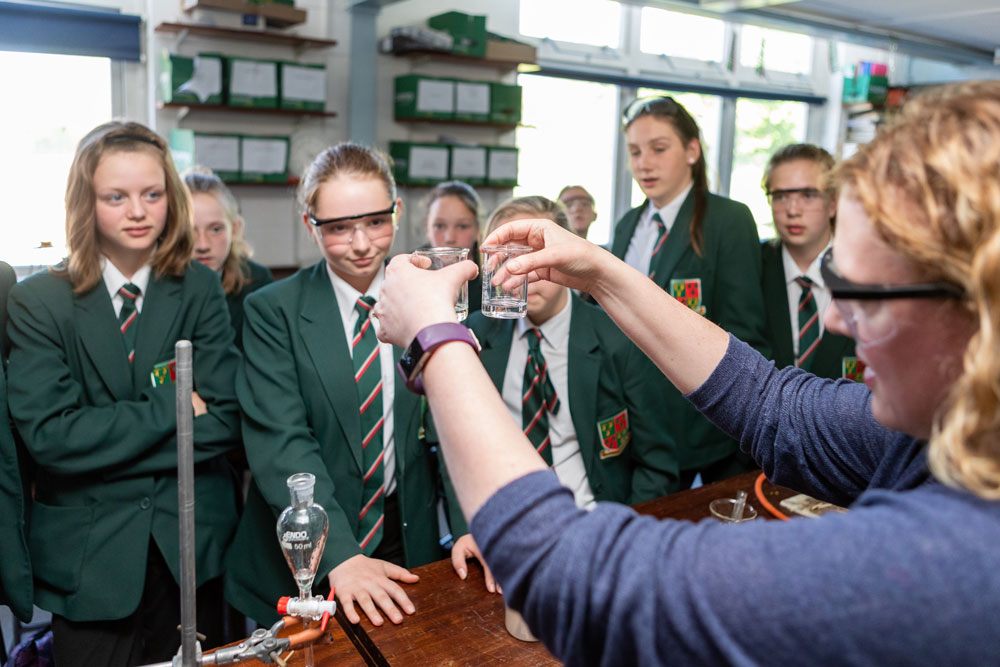 Derby organise to champion STEM education in E. Mids schools