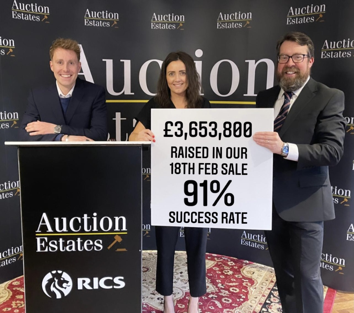 """Property market continues lockdown surge as Nottingham auction house brings down hammer on """"staggering"""" results"""