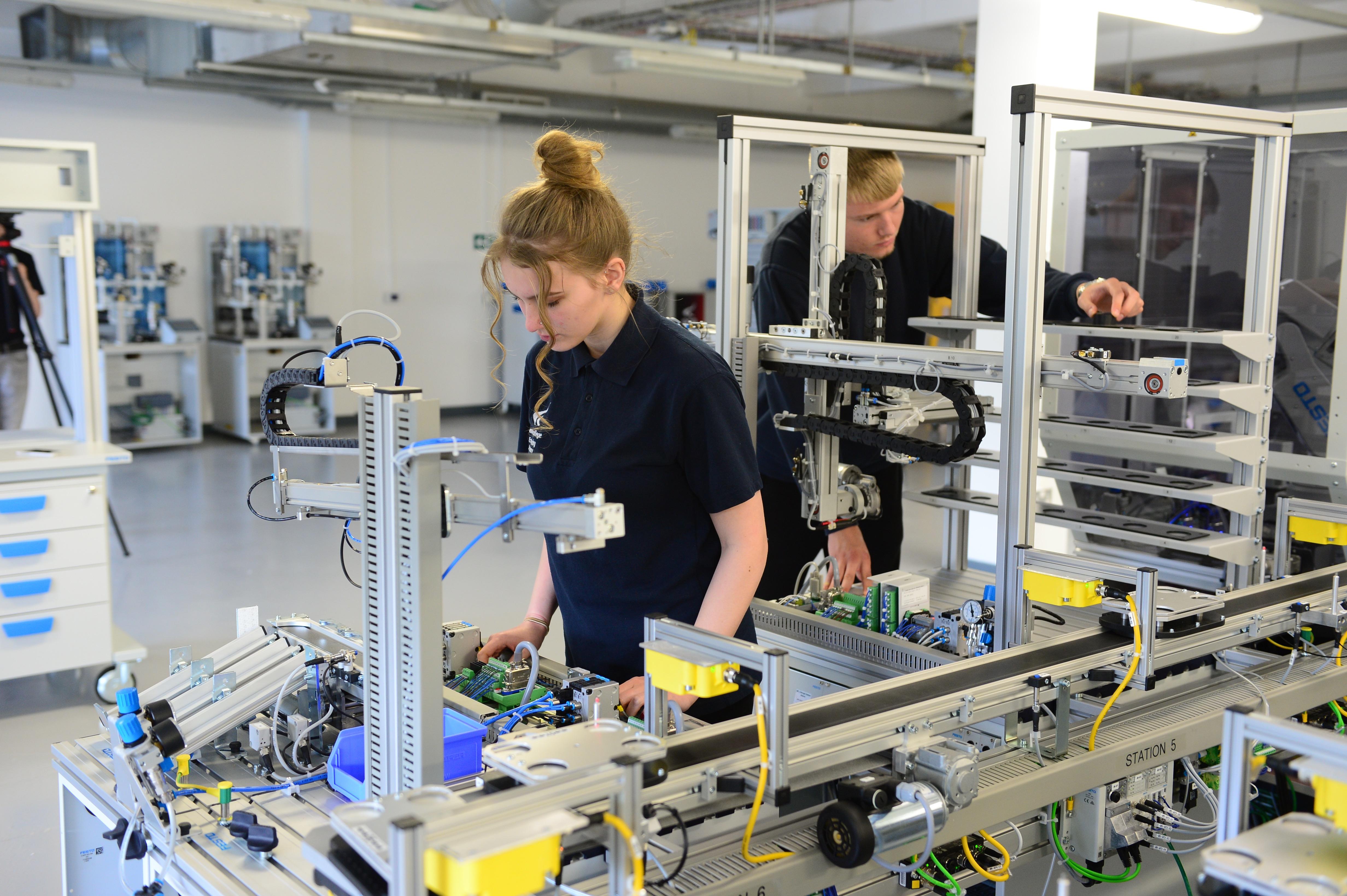 Derby College Group unveils Mechatronics laboratory