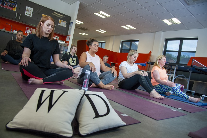 Nottingham contractor promotes wellbeing with massages and smoothie bikes